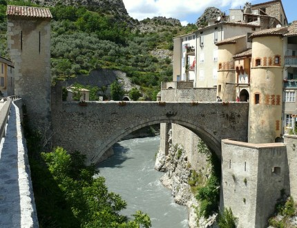 Entrevaux [Photo Credit: Creative Commons 3.0, MOSSOT]