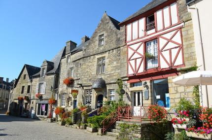Rochefort-en-Terre [Photo Credit: Creative Commons 3.0, Selbymay]